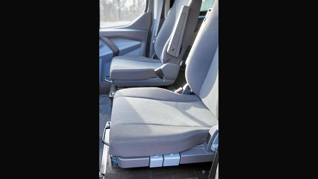Den Sitzen fehlen dickere Polster und mehr Seitenhalt.