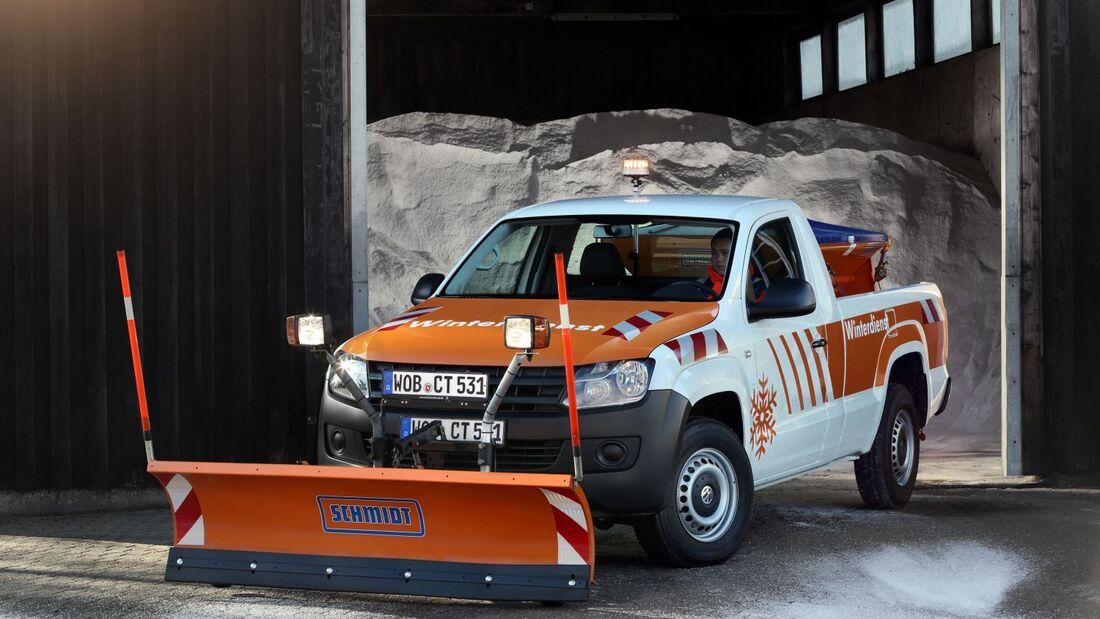 Der Amarok bietet mit einer Durchladebreite von 1,22 Metern genug Platz für kompakte Streugutbehälter.
