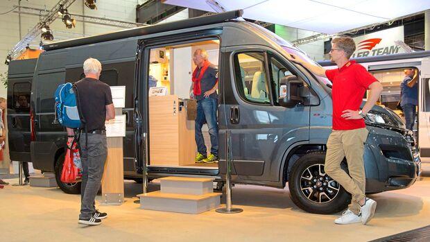 Der Bürstner City Car 601 auf Ducato-Basis bietet bei sechs Metern Außenlänge bis zu vier Schlafplätze.
