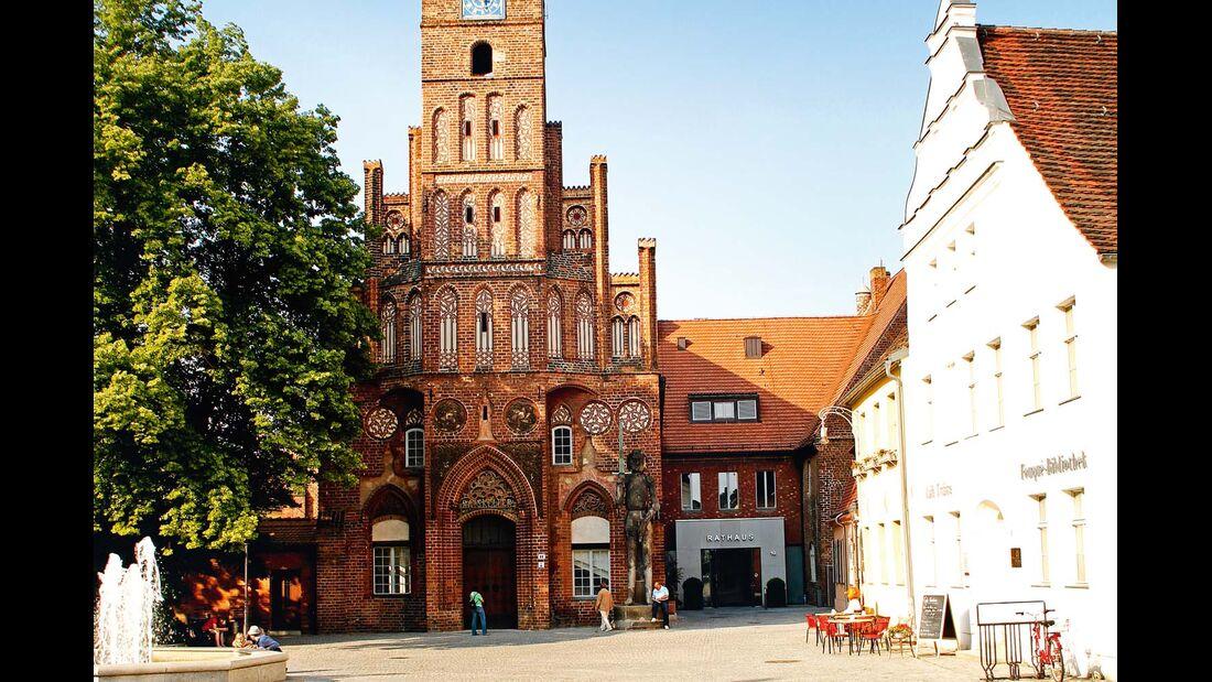 Der Dom St. Peter und Paul gilt als Wiege der Mark  Brandenburg.