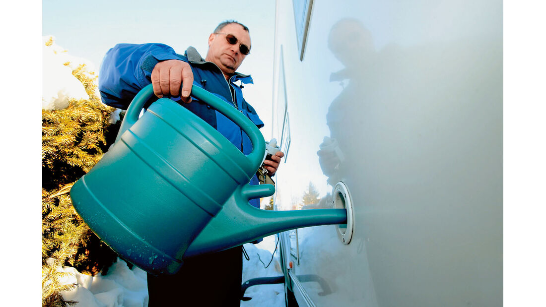 Der Frischwasservorrat kann notfalls mittels Gießkanne gesichert werden.