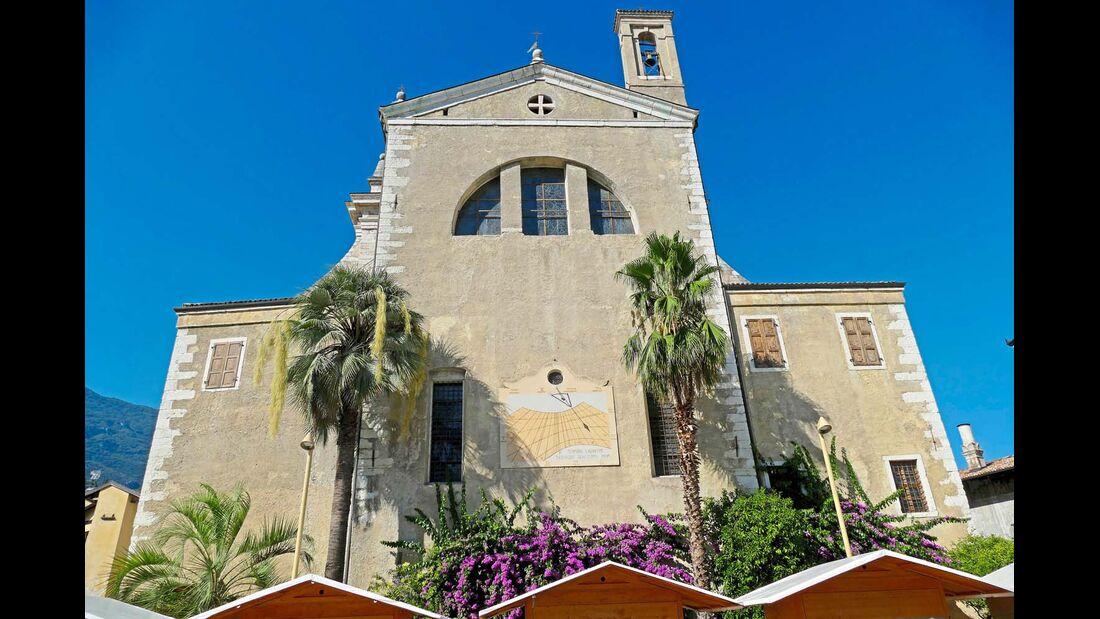 Der Kurort Arco unweit des Gardasees mit vielen reizvollen Kirchen, Villen und Parkanlagen.