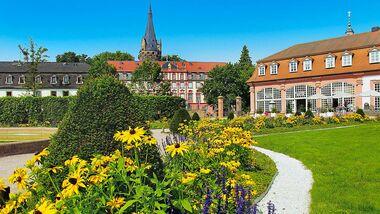 Der Luftkurort Erbach bietet nicht nur ein altes Barockschloss und eine alt Stadt, sondern auch das Werksgelände von Koziol.