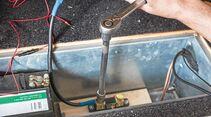 Der Shunt wird über ein 35-mm^2-Kabel mit dem Minuspol verbunden.