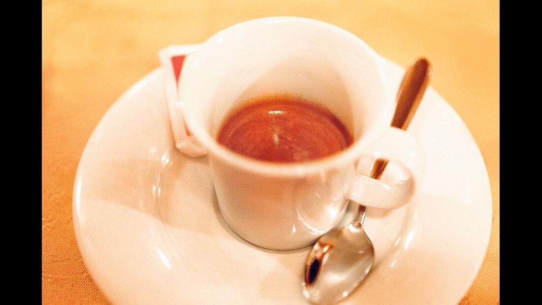 Der obligatorische Espresso.