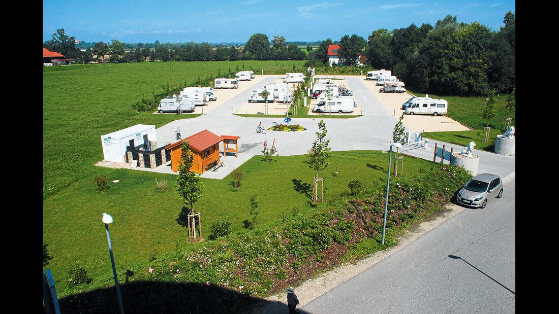 Der private Wohnpark direkt an der groessten Therme Europas.