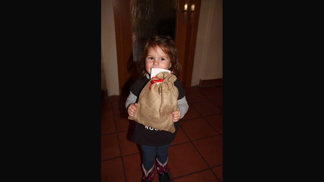 Dethleffs Family Stiftung Weihnachtsmann-Aktion Mädchen