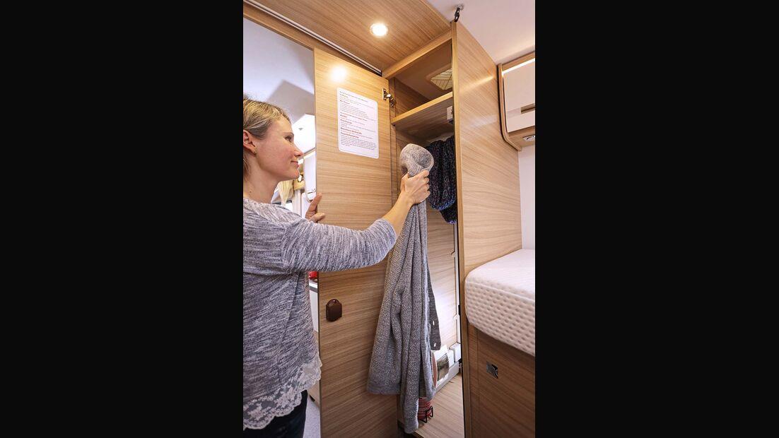 Dethleffs Globebus I Kleiderschrank