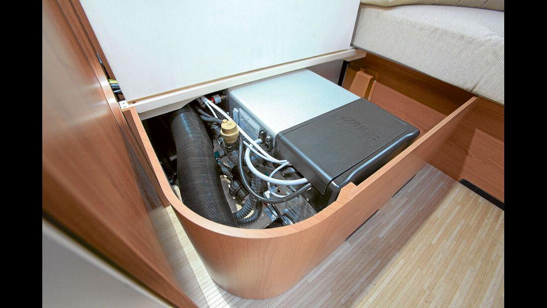 Die Alde Compact 3020 kann mit Gas oder mit Strom heizen.