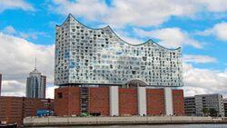 Die Elphilharmonie ist schon jetzt Hamburgs Touristenmagnet.