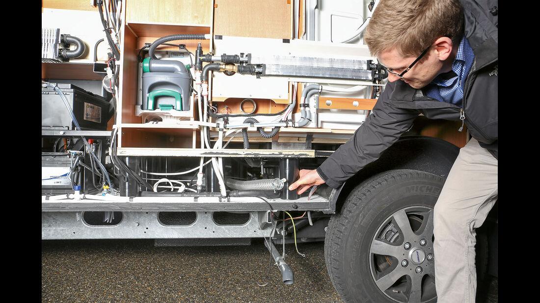 Die Kunststoff-Zylinder tragen den Laufboden.