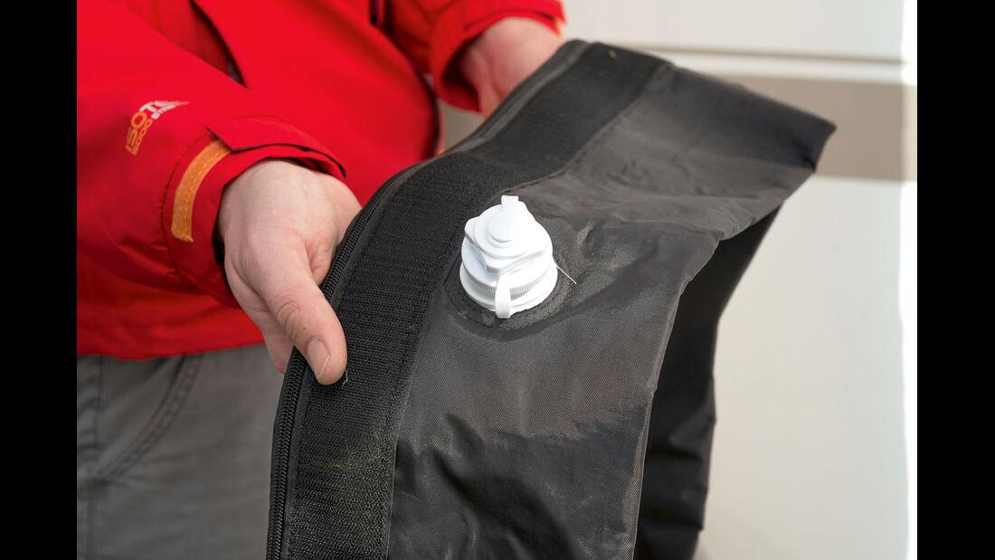 Die Luftschlaeuche sind in eine zweite Aussenhuelle verpackt.