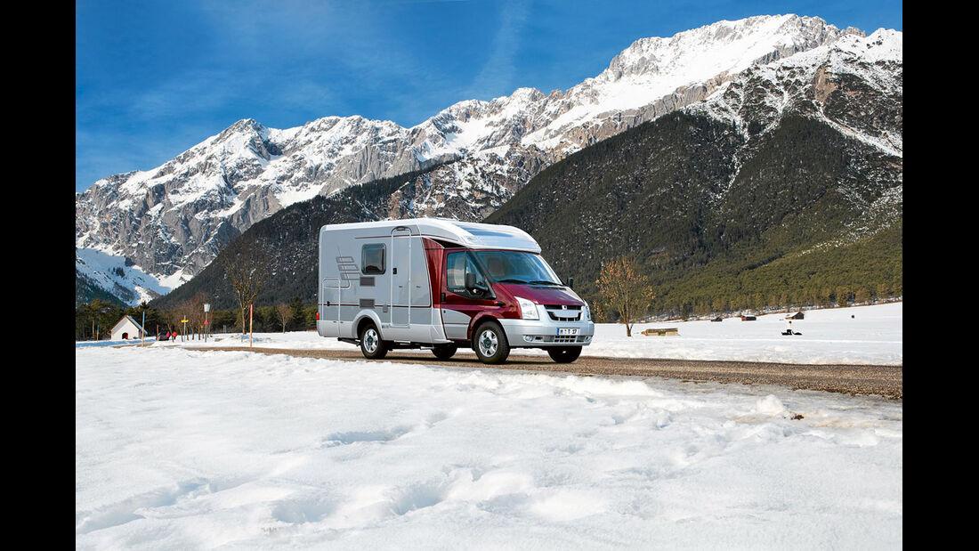 Die Reifen müssen rechtzeitig vor dem ersten Schnee gewechselt werden.