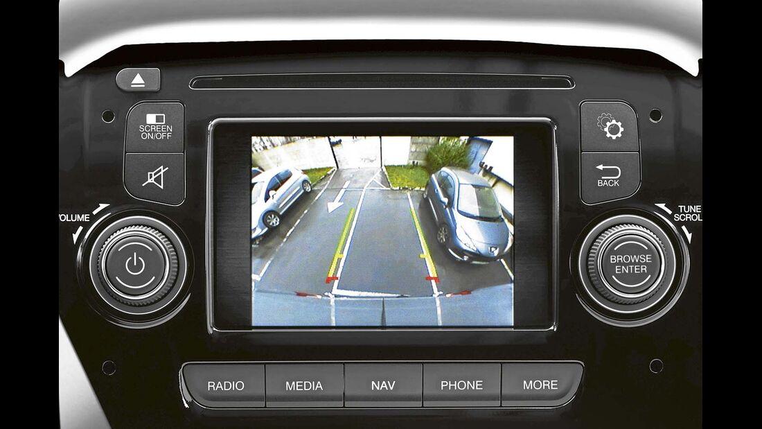 Die Rückfahrkamera ist einer der sinnvollsten Assistenten und als einer der wenigen für alle Mobile verfügbar.