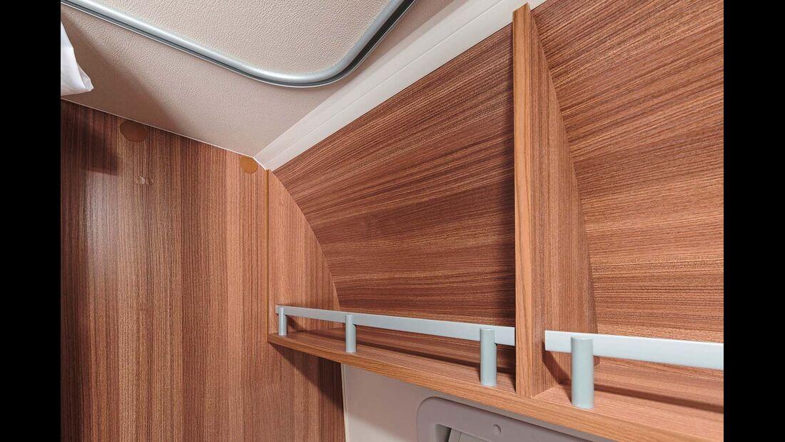 Die Staufächer im Bad bieten nur begrenzt Platz – in Höhe und Tiefe.