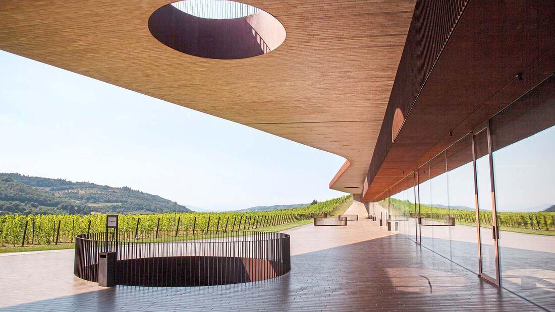 Die Toskana wird von Urlaubern für die schöne Landschaft und das gute Essen geliebt. Laika nimmt sie mit auf eine Tour.