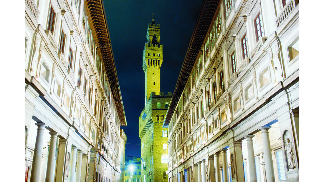 Die Uffizien, im Hintergrund der Palazzo Vecchio.