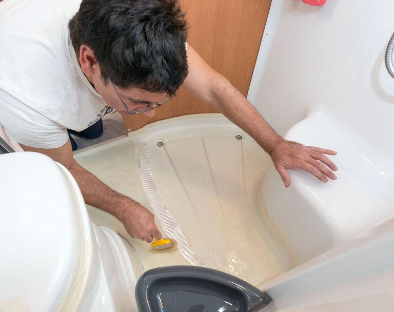 Duschwannen-Reparatur im Wohnmobil: So machen\'s die Profis ...