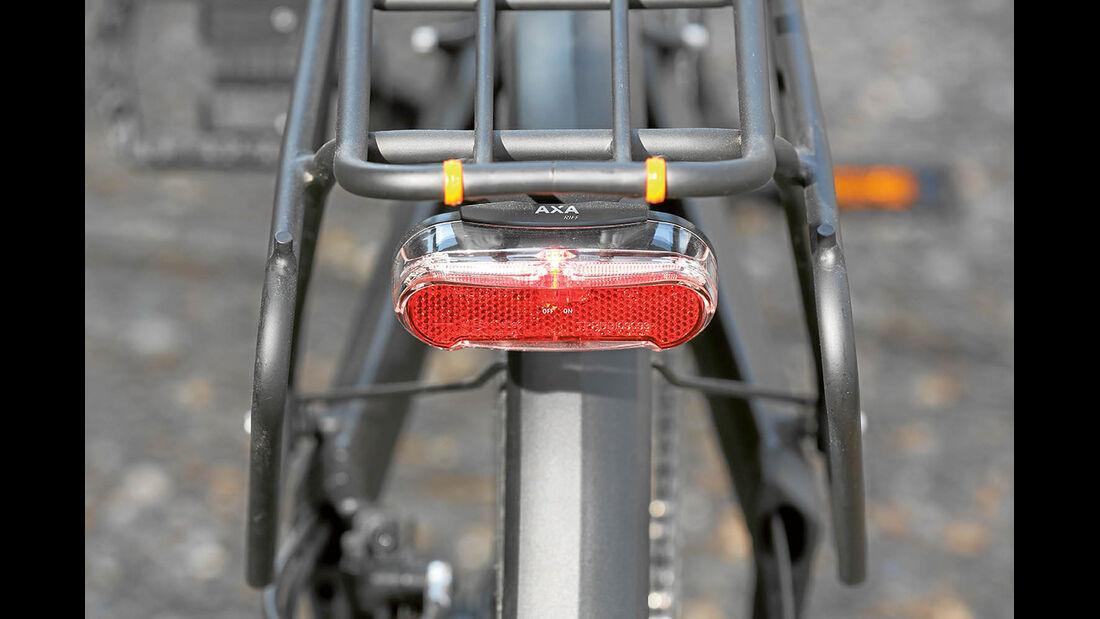 Die batteriebetriebenen Vorder- und Rücklichter müssen gesondert aktiviert werden beim Knaus PS1