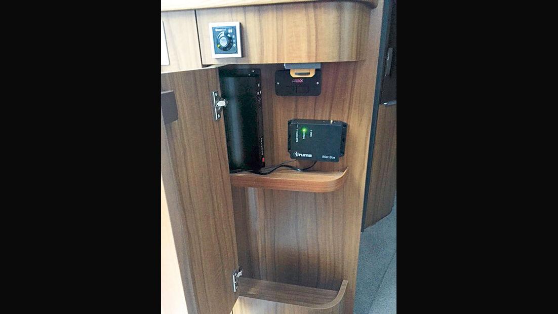 Die iNet-Box in der Hymer B-Klasse im Elektronikfach