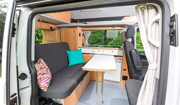 campingbus mit nasszelle nasszelle campingbus campocito. Black Bedroom Furniture Sets. Home Design Ideas