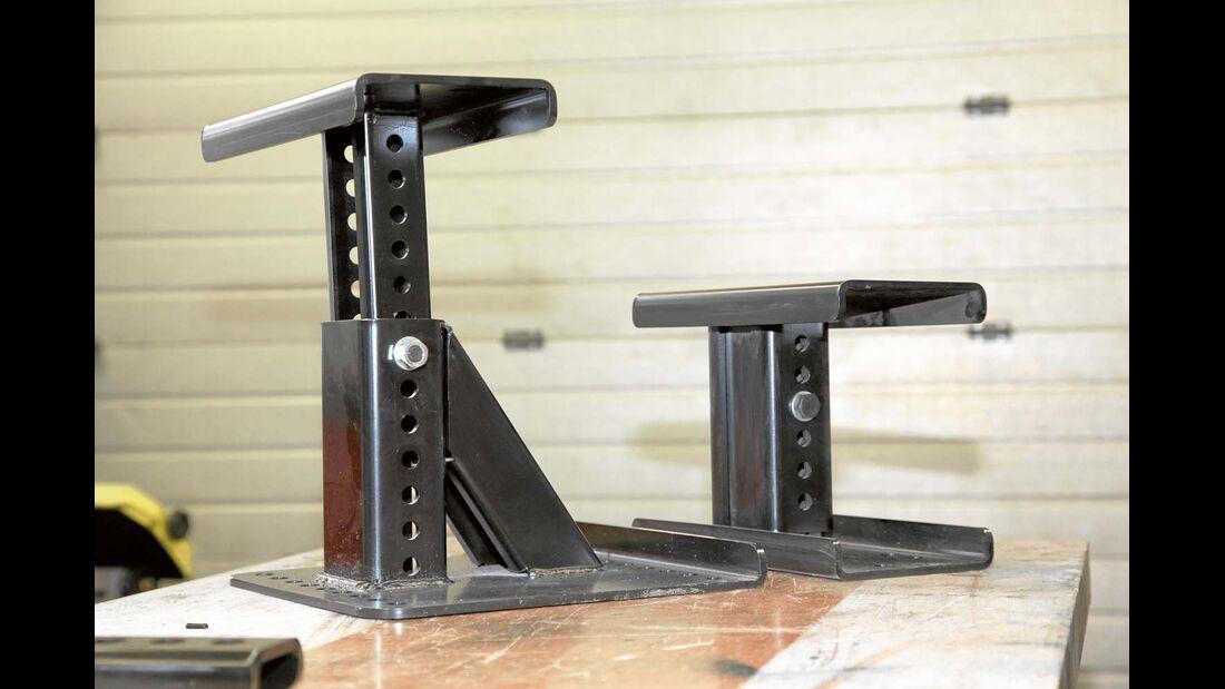 Distanzböcke können die Höhe eines Doppelbodens überbrücken.