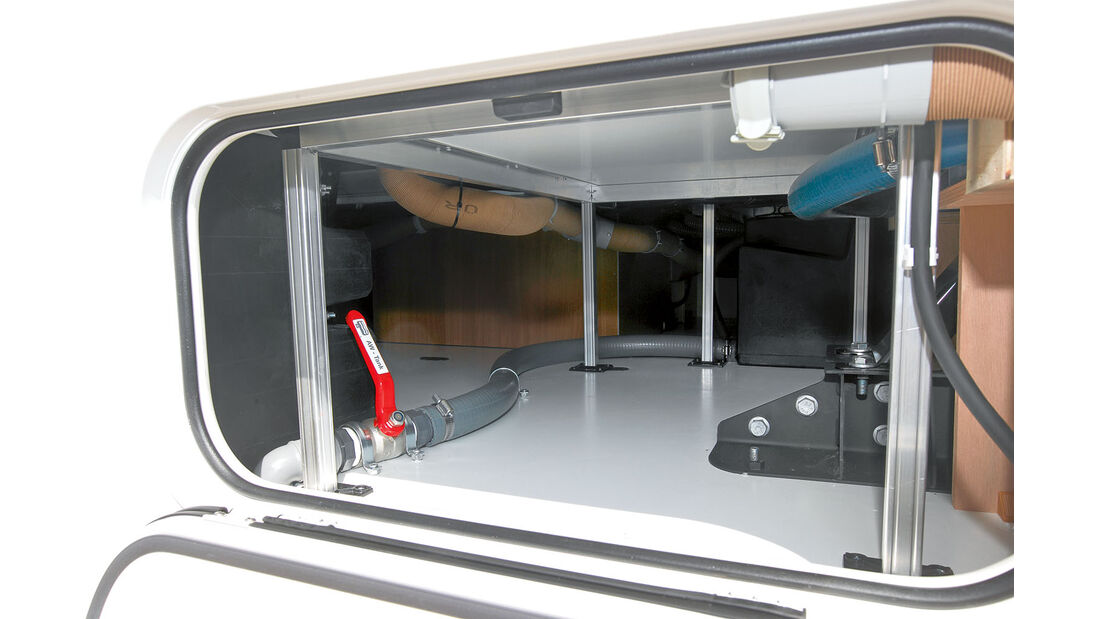 Doppelboden beim Eura Mobil