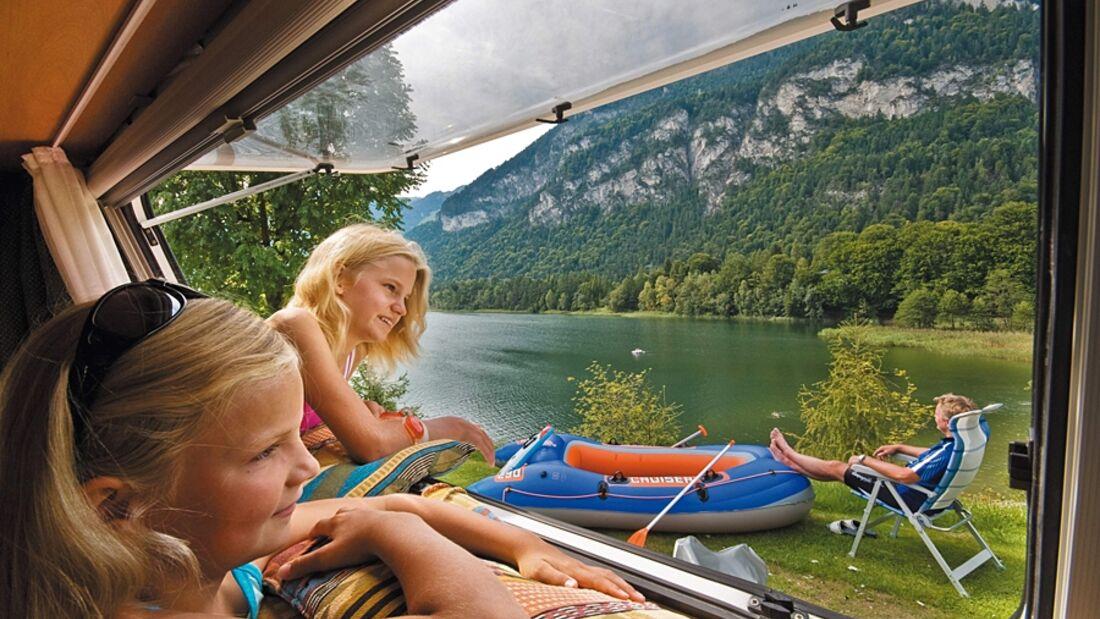 Drei Campingplätze an den Seen im Tiroler Alpbachtal laden zu einem naturnahen Familienurlaub ein