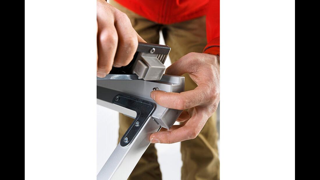 Durch Spannung hält die Platte auf dem Gestell des Berger Titanium.