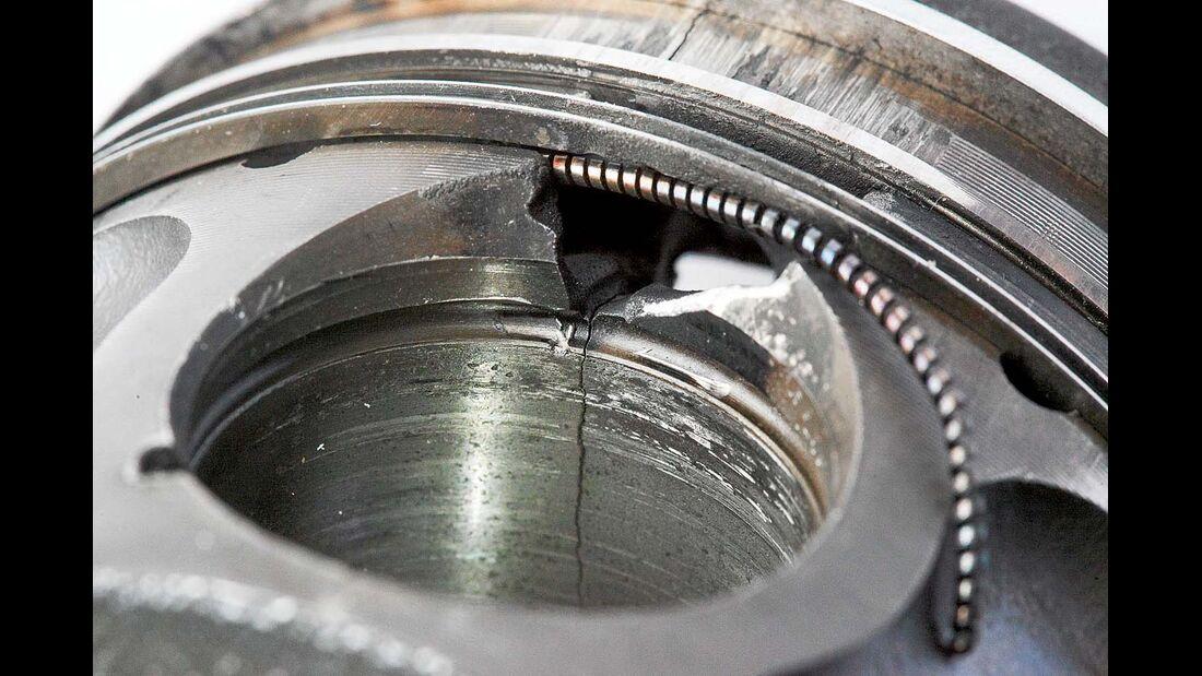 Durch unkontrollierte Einspritzung werden die Kolben beschädigt.