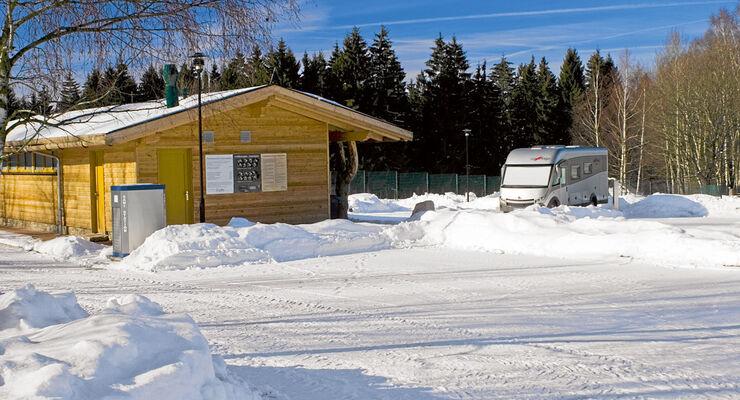 Eibenstock: Sommers wie winters sind die Stell¬plätze an den Badegärten ein Vergnügen.