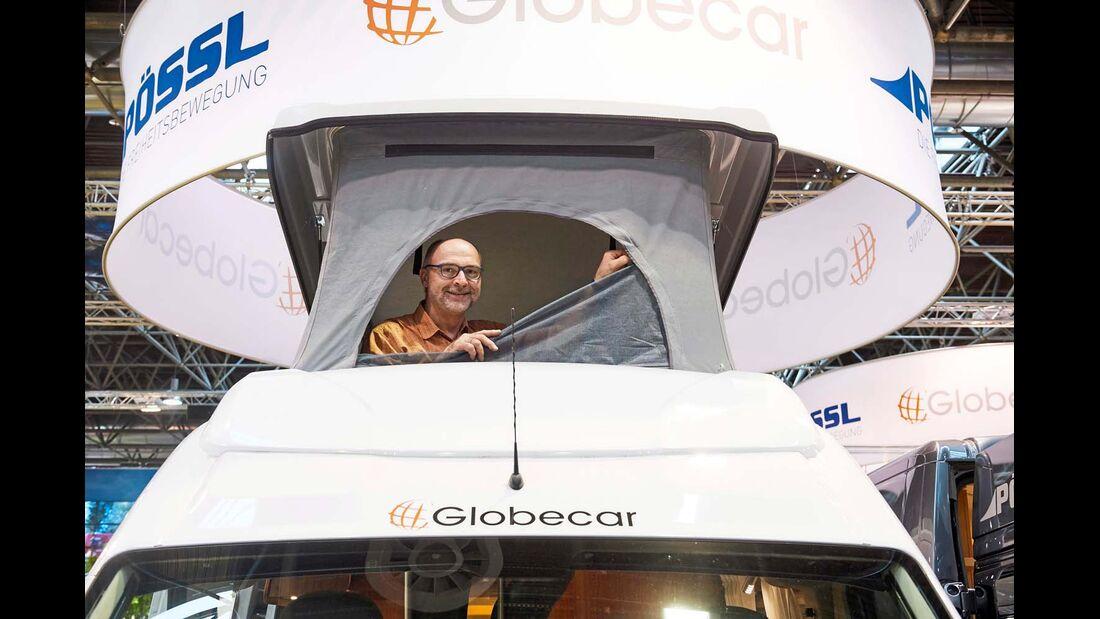 Ein Aufstelldach mit zwei zusätzlichen Betten für Ducato-Campingbusmodelle mit Original-Blechdach der Höhe 2 gibt es bei den Marken Hymer- Car, Pössl/Globecar und Van-Tourer für 3290 bis 3999 Euro.