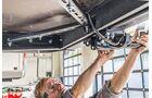 Ein Funktionstest verrät, ob die Kabel richtig verlegt und die Anhängekupplung korrekt angebaut wurde.