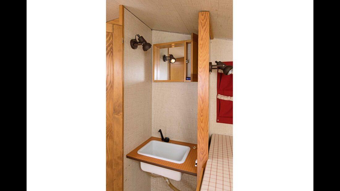 Ein Waschbecken muss genügen, Toiletten kamen erst später.