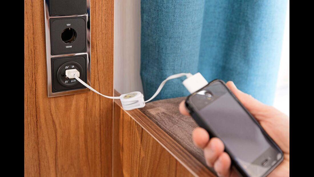 Eine Doppel-USB-Ladebuchse findet sich bei der Küche.