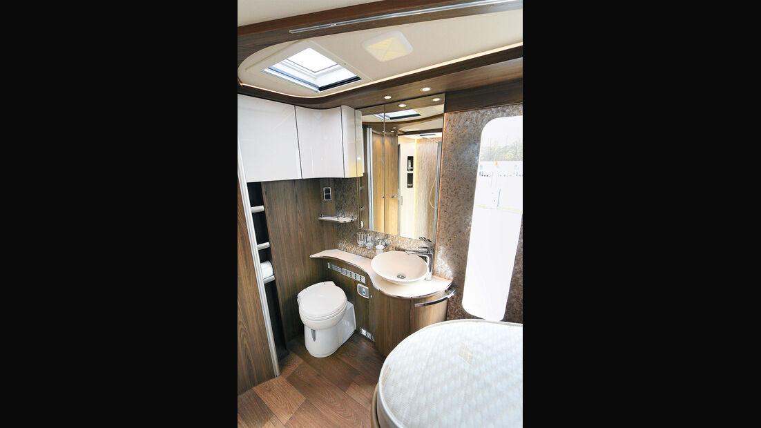 Eines der drei neuen S-Klasse-Modelle überrascht mit einer ungewöhnlichen Anordnung der Einzelbetten.