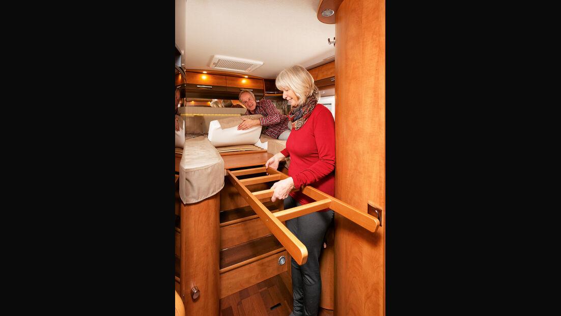 Einlegepolster, Ausziehbrett und -leiter erweitern flugs die Betten.