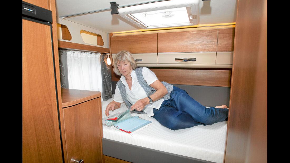 Einzelbett quer im Heck im Knaus Van I