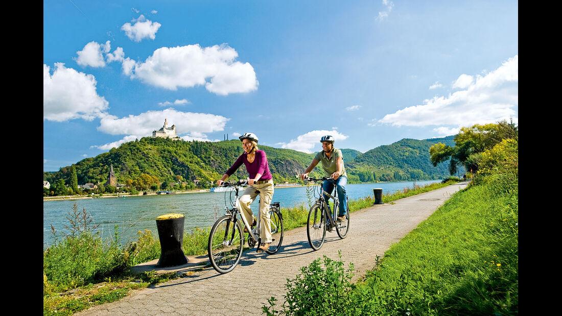 Es gibt tolle Radwege am Ufer.