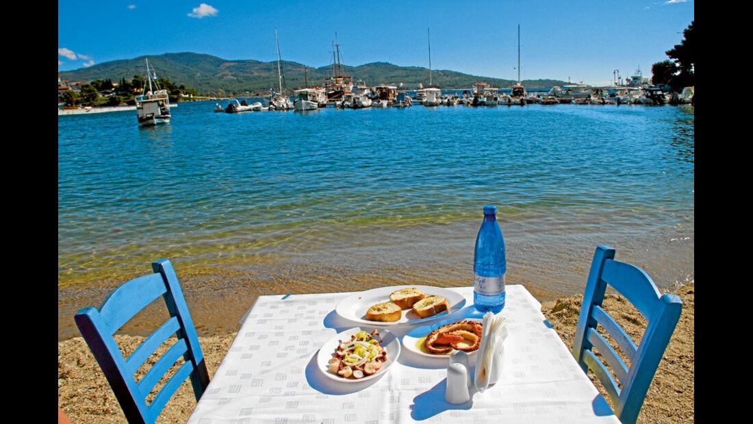 Essen mit Meeresblick
