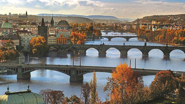 Etwa 180 Brücken gibt es in Prag.