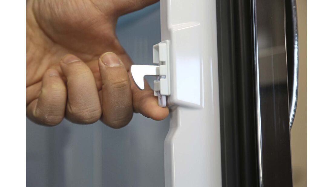 Fahrtverriegelung am Kühlschrank