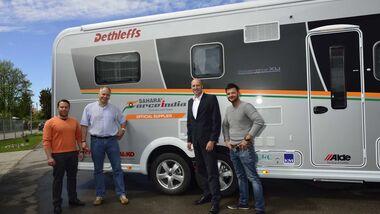 Fahrzeugübergabe: Dethleffs Gobetrotter XL I für Formel 1 Fahrer Hülkenberg und Perez