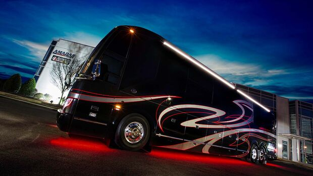 Featherlite Coaches Intimidator