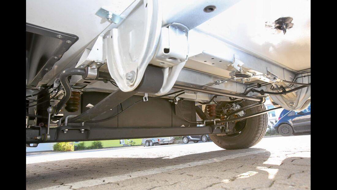 Fiat-Flachrahmen mit ausladender Blattfeder-Hinterachse beim Carthago C-Tourer Sport I 144