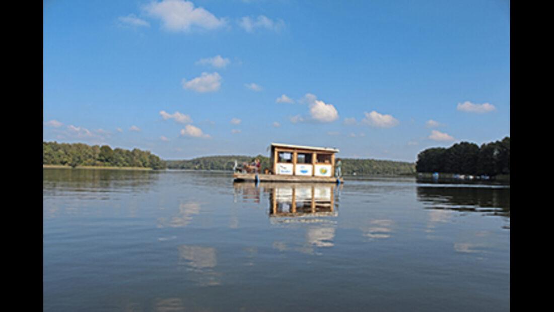 Floß auf dem Ellbogensee
