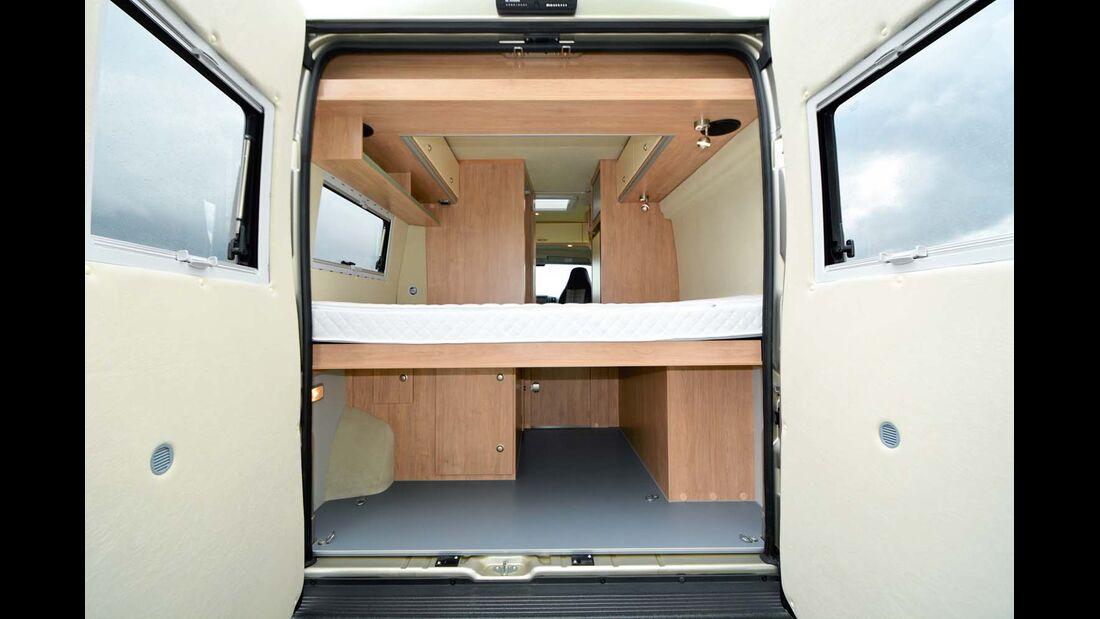 Für Transporte kann man die hintere Betthälfte hochklappen im La Strada Avanti L