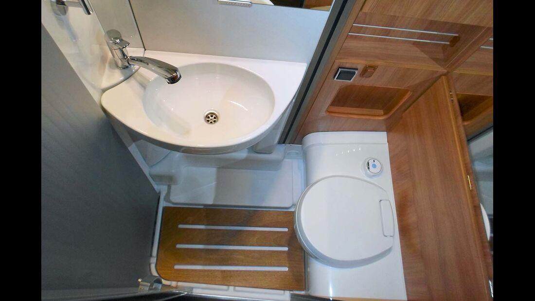 Für ein komfortbetontes Reisemobil ist das Bad relativ klein.