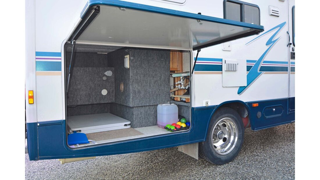 Gebrauchtcheck Us-Mobile Winnebago Brave Heckgarage