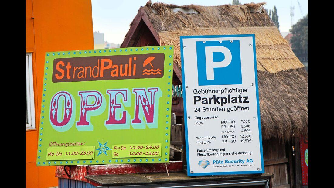 Gebührenpflichtiger Stellplatz für 15 Mobile in erster Reihe an der Elbe
